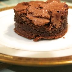 Baker's Chocolate Brownies - Crunchy on the outside, gooey on the inside, with or without nuts, with or without icing (I prefer mine naked and straight up) these quick and easy brownies are pure dessert heaven. #EasyDesserts #ChocolateBrownies