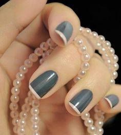 Visszafogott stílusban: Szürke alapú #francia #köröm, pasztell rózsaszín kombinációval. / Understated style: #Grey-based #Frenchnails, pastel #pink combination.