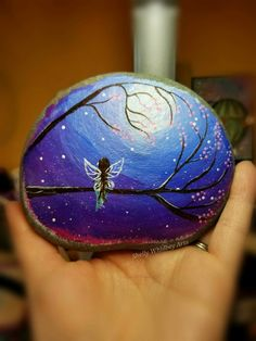painted rocks by reyna - strawberry club Rock Painting Patterns, Rock Painting Ideas Easy, Rock Painting Designs, Painted Rocks Craft, Hand Painted Rocks, Stone Crafts, Rock Crafts, Pebble Painting, Stone Painting