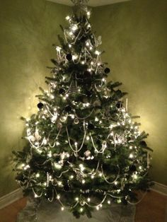 My black and white Christmas tree!