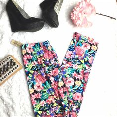 Floral Print Leggings One size fits most plus size ; they do fit well for 0-10 sizes it would just come high waisted but these are excellent and soft leggings NWT Pants Leggings