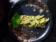 Pesto Sauce, Pesto Pasta, India Food, Roasted Peanuts, How To Cook Pasta, Wok, Green Beans, Food Photography, Spices