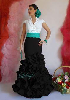 ANDALUCÍA NEGRO Spanish Dress Flamenco, Flamenco Dresses, Flamenco Dancers, Cute Dresses, Beautiful Dresses, Spain Fashion, Lace Dress Styles, Gypsy Women, Women Church Suits