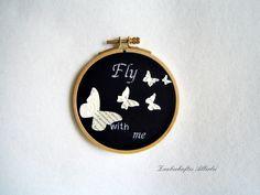 Stickrahmenbild -Schmetterlingsflug- von Zauberhaftes Allerlei auf DaWanda.com