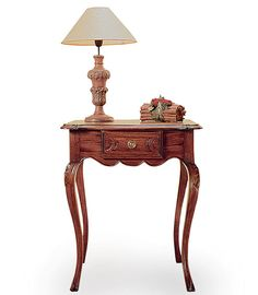 Entrance Table, Entryway Tables, Classic Furniture, Antique Furniture, Shabby Home, Table Legs, Sideboard, Furniture Design, Table Settings
