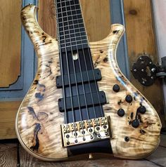 Marleaux. Consat Signature 6 @marleaux_bassguitars #marleaux #6string ••• As always, use #BASSFORWARD every time you post! Double tap and tag your friends on the comments to share! ••• #Design #Detail #Craftsmanship #bassforward #bass #boutique #bassist #guitar #guitarist #guitars #music #musician #bassguitar #bassplayer #bassgram #instabass #wood #woodworking #weplaybass #baixo insta topsy.one