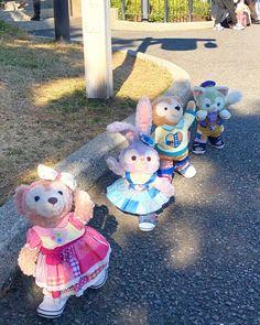 "YamatoStyle on Instagram: ""お待たせ〜✨ #yamatostyle #ダッフィー #シェリーメイ #ジェラトーニ #ステラルー #いっしょだといいことありそう #ダッフィーのハートウォーミングデイズ #ハートウォーミングデイズ #グリーティング #シェリーメイグリーティング #ピクサー…"" Disney And More, Disney Love, Tutorial Nails, Duffy The Disney Bear, Bear Art, Disneyland Paris, Nail Tutorials, Teddy Bears, Kitty"