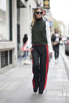 Olivia+Palermo+Wants+You+to+Wear+Your+Necklace+Like+This+via+@WhoWhatWearUK