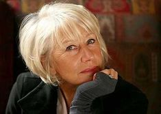 Lovely photo of Helen Mirren -Haircut pictures for fine and thin hair Cool Short Hairstyles, Mom Hairstyles, Hairstyles Over 50, Short Hairstyles For Women, Hairstyle Ideas, Short Haircuts, Hairstyles For Fine Thin Hair, Popular Haircuts, Pretty Hairstyles