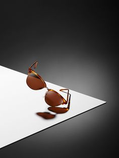 STILL LIFE | LINEASHOW, professional photography, sun, glasses, brown