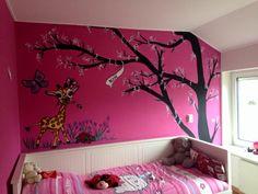 giraffe muurschildering op roze muur voor een lief meisje!