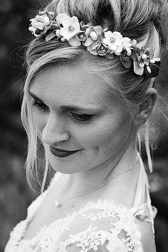 Photographe mariage pau pays basque biarritz bayonne Coiffure de mariage accessoire bijoux chignon Rachel Suhubiette