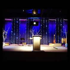 Todd Goodwin from Resurrection Life Worship Center in Picayune, MS brings us these Christmassy lines. Christmas Stage Decorations, Christmas Stage Design, Led Christmas Lights, Christmas Settings, Concert Stage Design, Church Stage Design, Salas Lounge, Altar Design, Church Interior
