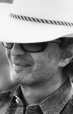 """Michael Cimino - Pinned by Mak Khalaf Michael Cimino ( born February 3 1939) is an American film director screenwriter producer and author. He is best known for directing producing and co-writing the 1978 Academy Award-winning film The Deer Hunter and for writing and directing 1980's financial and critical failure Heaven's Gate although now some critics have described the latter as a """"modern masterpiece''.Thunderbolt and Lightfoot Cimino moved up to directing on the feature Thunderbolt and…"""