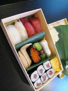 久兵衛 Japanese Food Sushi, Nihon, Sashimi, Food Plating, Junk Food, Bento, Food Art, Catering, Cake Decorating