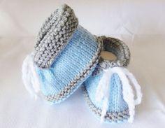 chaussons bleus pour bébé pointure naissance à 3 mois- chaussures bébé en laine