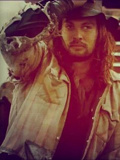 Hotness in a hat! Most Beautiful Man, Gorgeous Men, Jason Momoa Lisa Bonet, Jason Momoa Aquaman, Hot Dads, Star Wars, My Sun And Stars, Khal Drogo, Tom Hardy