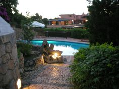 Large prestige single family villa situated in the center of Porto Cervo. On a garden of 2000 meters the main building is divided in Large living room, dining room, kitchen and a fantastic covered terrace. Two different night zones with 3 double rooms and one single, and three bathrooms. The depandance at the upper floor with entrance, double room and a large wardrobe where there is the space for a kid bed, bath room ( for a total of 5 bedrooms) Garage, cellar, laundry, and a room for the…