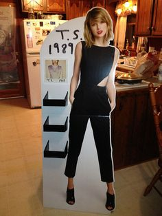 taylor swift lifesize cardboard standups taylor swift cardboard cutout