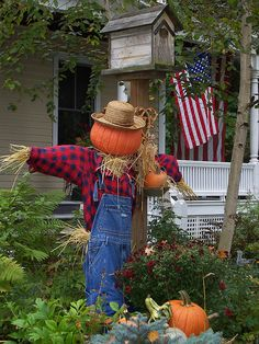 "*Nothing says ""fall"" like a scarecrow!"