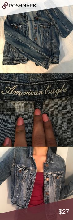 American Eagle Denim Jacket Size Large! American Eagle Denim Jacket perfect for the fall. Size Large. 100% Cotton. 4 pockets. American Eagle Outfitters Jackets & Coats Jean Jackets