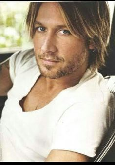 Favourite muscian: Keith Urban; a handsome man who is not afraid to show true emotions in his beautiful music and lyrics.   #SWSHAREYOURLIFE