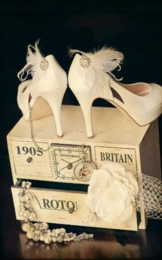 Wedding Photography, Shoe Clips White Ivory Teal Black Feather & Rhinestone. Custom made colors by sofisticata on Etsy, http://sofisticata.etsy.com
