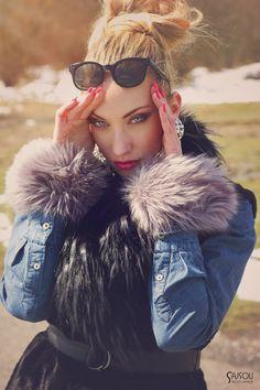 blond model with waistcoat Sajsou photo fashion