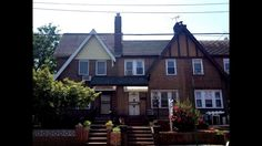 Rego Park, NY 11374 Property Type: Townhouse Rooms: 7 / Bedrooms: 3 Remember back to when you were a kid. There were homes or apartmen. Rego Park, Real Estate Services, Townhouse, Cabin, House Styles, Home Decor, Rosario, Homemade Home Decor, Decoration Home