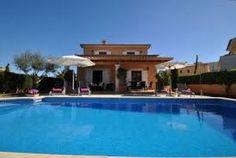 Diese Villa in Sant Llorenç Des Cardassar besteht aus 3 Schlafzimmern und bietet Platz für 6 personen