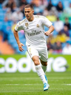 Eden Hazard Vs Levante 2019 Pictures and Photos - Getty Images Best Football Players, Nike Football, Soccer Players, Real Madrid Team, Real Madrid Football Club, Eden Hazard, Foto Madrid, Messi And Ronaldo, Role Models