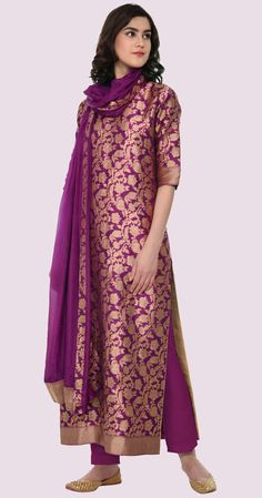Buy Purple Color Plazo Suit by Akanksha Singh at Fresh Look Fashion Pakistani Dresses, Indian Dresses, Indian Outfits, Pakistani Suits, Punjabi Suits, Salwar Suits, Silk Kurti Designs, Kurti Designs Party Wear, Brocade Dresses