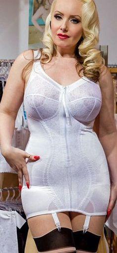 Pics of women having sex in girdles