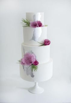Silver and Plum Wedding Cake with wafer paper flowers Beautiful Wedding Cakes, Gorgeous Cakes, Pretty Cakes, Amazing Cakes, Wafer Paper Flowers, Wafer Paper Cake, 4 Tier Wedding Cake, Wedding Cake Designs, Bolo Cake