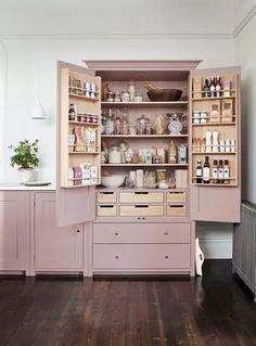 Smart Kitchen, Small Space Kitchen, Kitchen Pantry, Country Kitchen, New Kitchen, Kitchen Decor, Kitchen Ideas, Small Spaces, Organized Kitchen