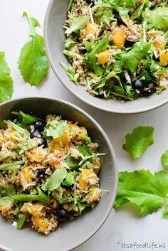 Healthy maaltijdsalade met raapstelen en ras el hanout rijst | It's a Food Life