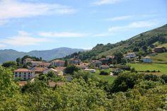 Vista del pueblo de Zugarramurdi, #Navarra
