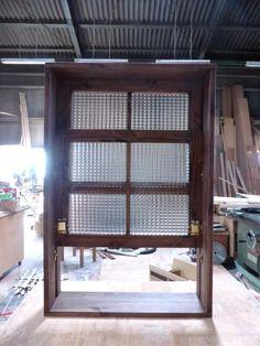 チェッカーガラスの上げ下げ窓(電車窓)-441 | 室内窓のオーダー実例集