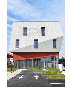 NBJ arch. Utility building in Blagnac, France. EQUITONE facade panels. equitone.com