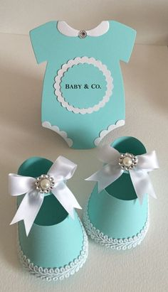 Baby Shower Girl Shoe Favor Boxes Onesies Robin Egg Tiffany Blue Baby Co Distintivos Baby Shower, Shower Bebe, Baby Shower Favors, Baby Shower Cakes, Baby Shower Parties, Baby Shower Themes, Baby Boy Shower, Baby Shower Gifts, Shower Ideas
