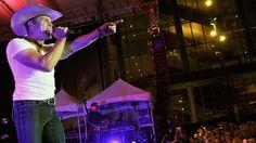 Dustin Lynch Talks 'Massive' New Music #headphones #music #headphones