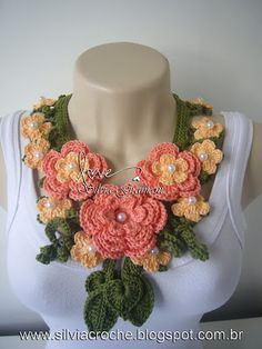 Silvia Gramani Crochê: Colar Miss Flor Comprido