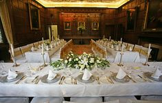 The Parliament chamber lends itself perfectly for a intimate wedding breakfast or dinner