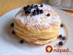 Raňajky, ktoré si jednoducho zamilujete. Lievance z jogurtového cesta sú nadýchané a doslova sa rozpadajú na jazyku. Najlepšie chutia s čerstvým ovocím, tvarohom alebo kyslou smotanou.