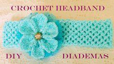 En este vídeo les enseño hacer paso a paso una hermosa diadema con flores tejida a crochet o ganchillo. Materiales: Hilo de seda color celeste Crochet o ganc...