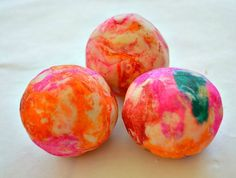 "How to make Tie Dye play dough using crêpe paper - from Blog Me Mom ("",)"