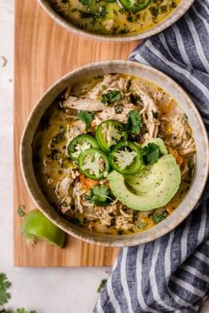 Slow Cooker White Chicken Chili - Added Garlic powder + dash of cayenne - cup of heavy whipping cream. Sub for coconut milk - Add corn + black beans - chicken thighs a must! Chili Recipes, Paleo Recipes, Real Food Recipes, Crockpot Recipes, Dessert Recipes, Crockpot Dishes, Ketogenic Recipes, Recipes Dinner, Cookie Recipes