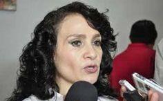 """La senadora Dolores Padierna Luna (PRD) exigió que la SCTaclare la asignación de contratos de pantallas de televisión, por más de 19 milmillones de pesos, asignados a sólo cinco proveedores, con sobreprecio y en plenoproceso electoral. Lamentó que la aplicación de la política de televisióndigital sirva de pretexto """"para que unas cuantas empresas hagan negocios,sin […]"""