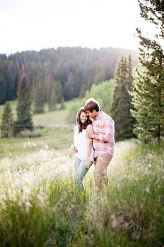 Entirely in love with this engagement session in Colorado via @mtnsidebride! Breckenridge + Great Sand Dunes National Park Engagement Session