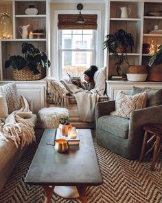 Bohemian Style Home Decors with Latest Designs Home Design: Interior Design Ideas for Contemporary H Living Room Interior, Home Living Room, Apartment Living, Cosy Apartment, Cozy Living Room Warm, Cottage Style Living Room, Furniture For Living Room, Living Room With Color, Living Room And Bedroom In One